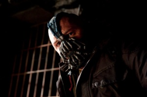The-Dark-Knight-Rises-bane-hardy