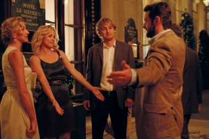MidnightInParis_Still_2