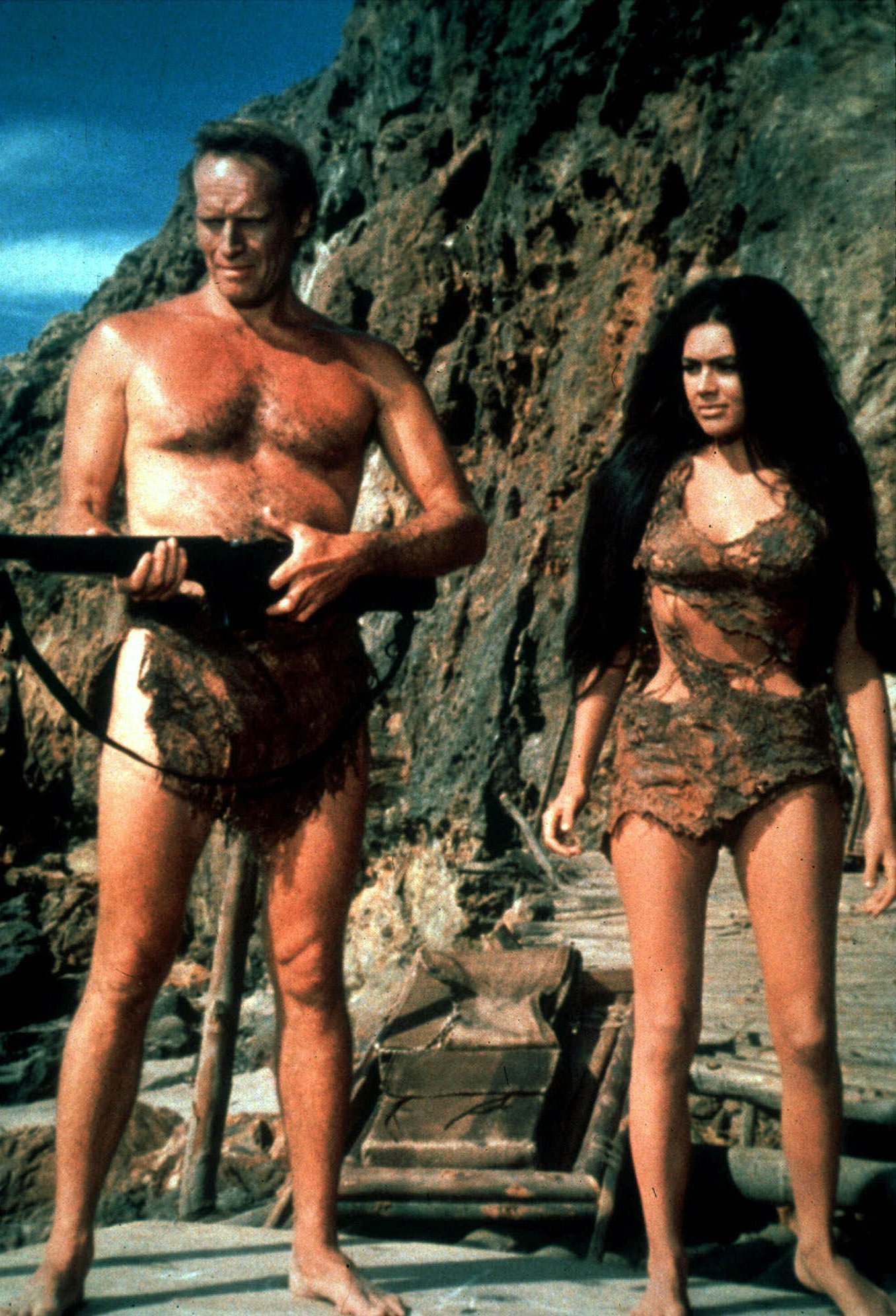 https://thecinemamonster.files.wordpress.com/2013/05/planet-of-the-apes-charlton-heston.jpg